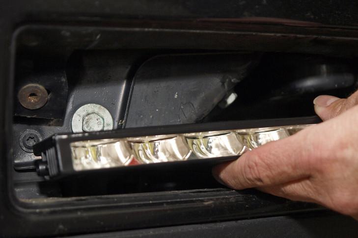 Tagfahrlicht: Montage am VW Golf IV