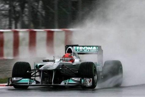 Michael Schumacher fuhr nur wenige Runden zum Test der Regenreifen
