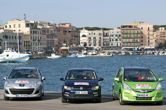 Video: Honda Jazz Hybrid, VW Polo BlueMotion, Peugeot 207 Blue Lion