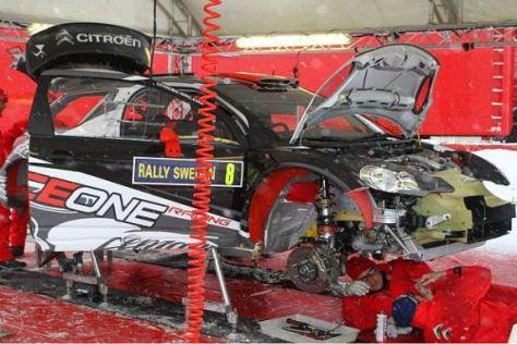 Kimi Räikkönen probierte den neuen Citroën DS3 WRC auf Schotter aus