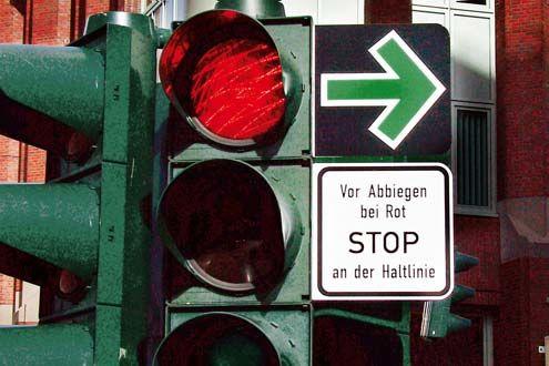 Geschwindigkeitskontrolle von Autobahnbrücke