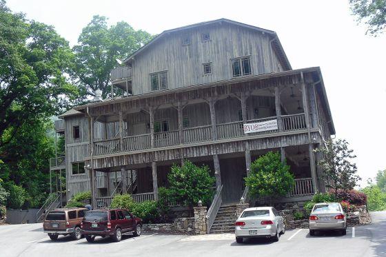 Esmeralda Inn in Lake Lure