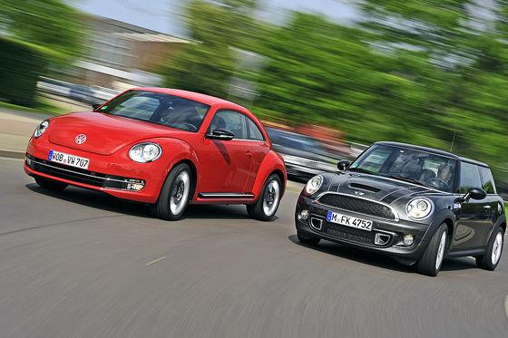 Video: VW Beetle vs. Mini Cooper