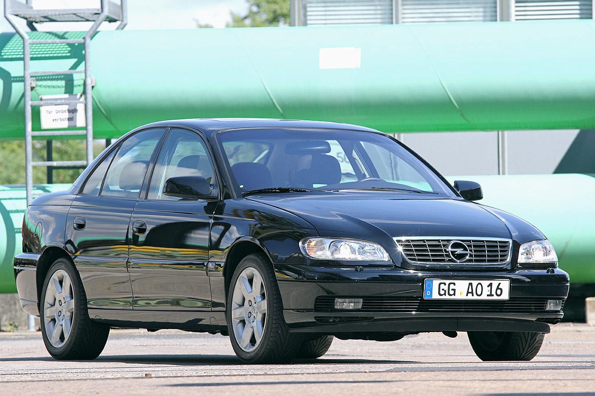 Bilder: Opel Omega V8