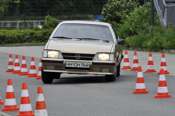 Opel Monza 2.0 E