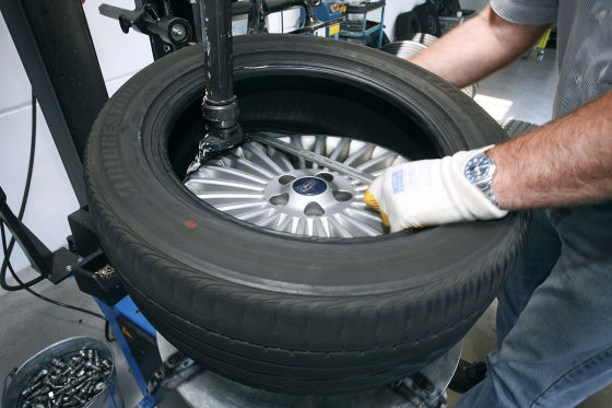 Reifenmontage  Reifenwechsel