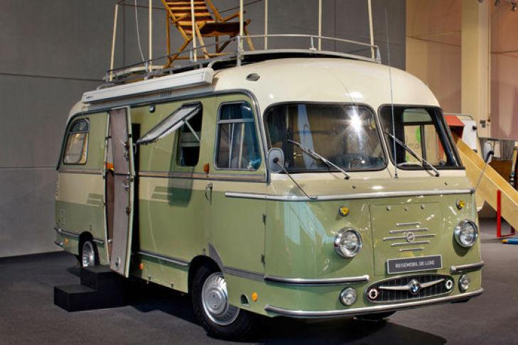 Mikafa-Reisemobil mit Dachterasse