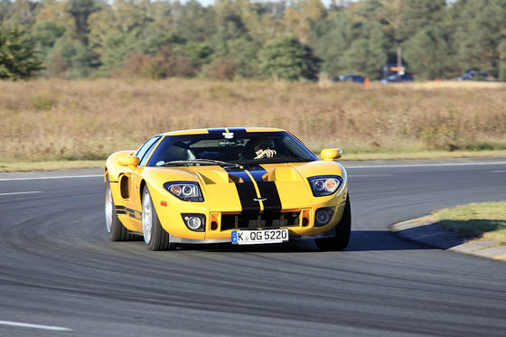 Video: Ford GT (2003)
