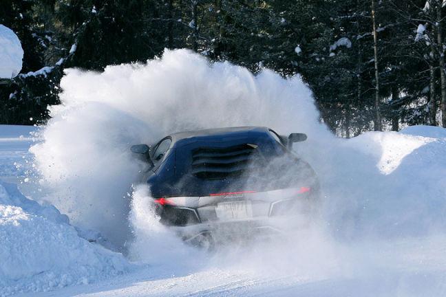 Video: Lamborghini Aventador
