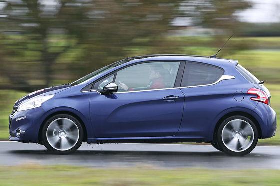 Video: Peugeot 208