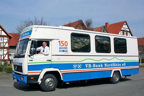Mercedes-Benz LN Typ 814: Die rollende Bankfiliale ...