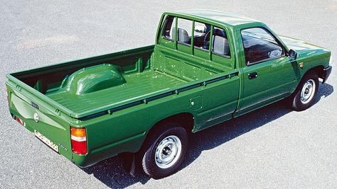 Toyota Hilux III (YN80)