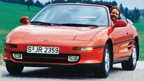 Toyota W2