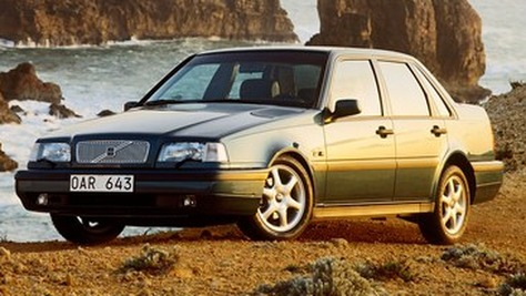 Volvo 400