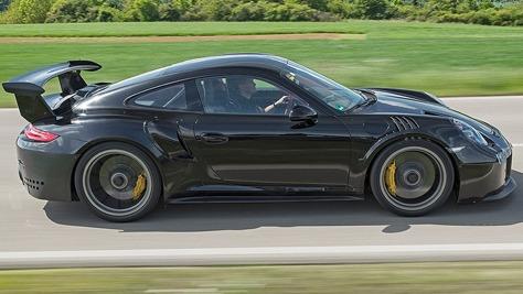 Porsche 911 GT2 RS (2)