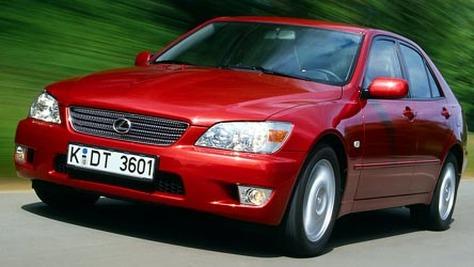 Lexus XE1
